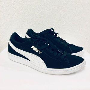 Puma Vikky v2 Classic Suede Sneakers Black Sz 7.5